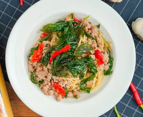 "How to make ""Spaghetti Basil with Minced Pork"" ,Easy to Make it!"